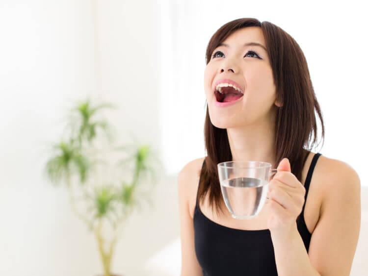 Súc miệng giúp kiểm soát bệnh viêm amidan