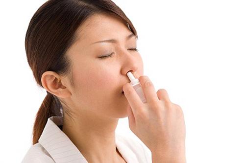 Dùng thuốc trị viêm mũi dị ứng