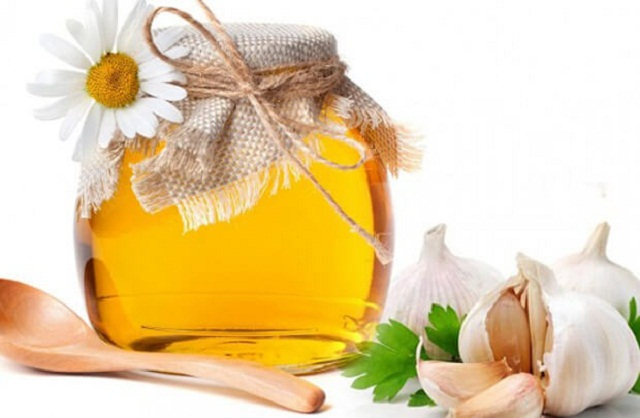 Củ tỏi và dầu vừng chữa viêm mũi dị ứng