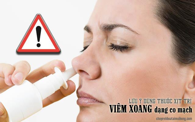 Dùng thuốc xịt trị viêm xoang dạng co mạch