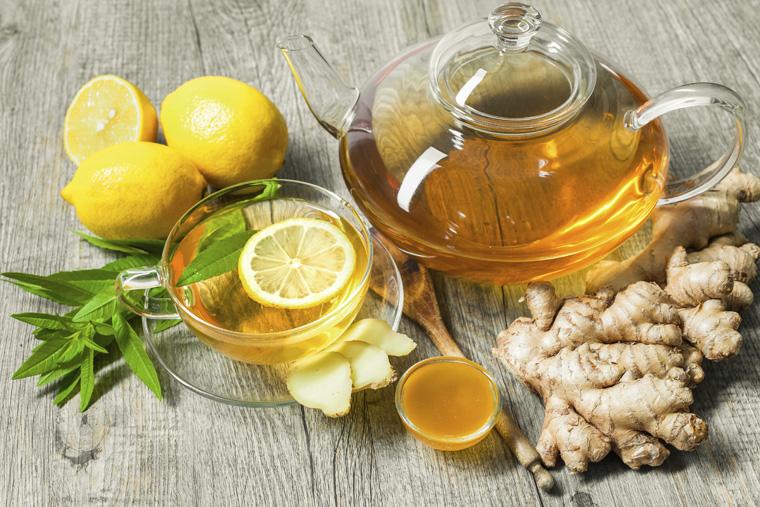 Nước gừng và mật ong chữa trị bệnh viêm họng cho trẻ
