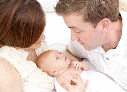 trẻ sơ sinh thở khò khè và ho khi ngủ