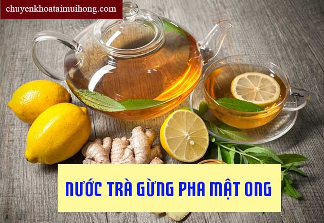 Chữa đau họng khi nuốt bằng trà gừng pha mật ong