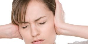 Ù tai kéo dài - biểu hiện của bệnh gì ? -1