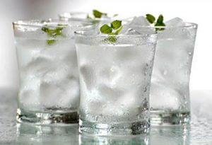 Bị viêm họng có nên uống nước đá -2