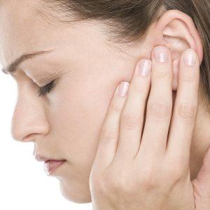 Viêm họng gây ù tai phải làm thế nào-1