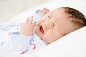 Trẻ sơ sinh ho có đờm nhưng không sốt chữa thế nào ? -1