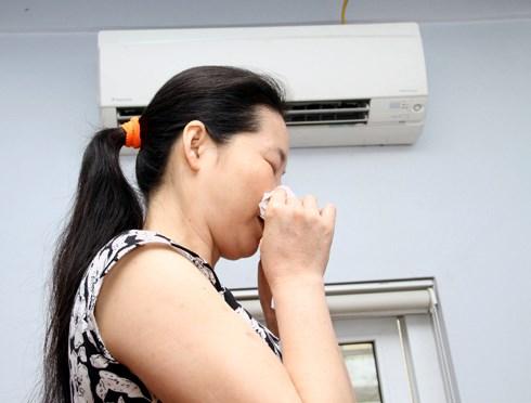Cứ ngồi máy lạnh là bị chảy nước mũi là bệnh gì? -1