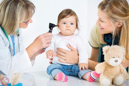 Một số lưu ý khi trẻ bị viêm tai giữa