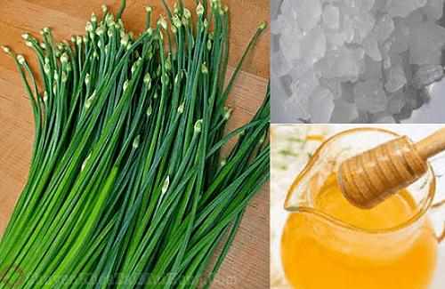 Chữa ho cho trẻ em bằng lá hẹ, đường phèn và mật ong