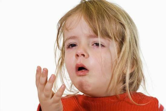 Viêm phế quản dạng hen khiến trẻ bị ho thường xuyên