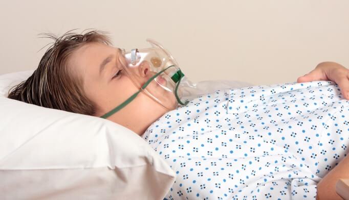 Suy hô hấp là biến chứng nguy hiểm của bệnh viêm phế quản dạng hen