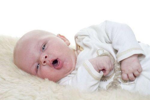 Trị ho có đờm ở trẻ sơ sinh khỏi hẳn không cần dùng thuốc