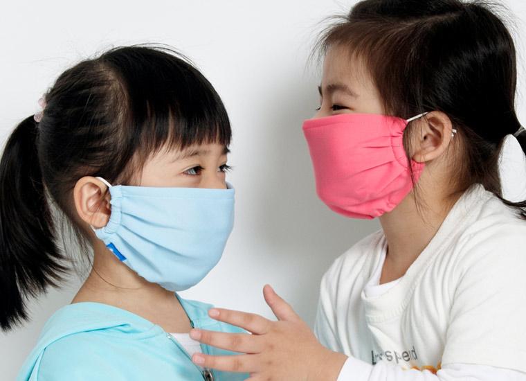 Đeo khẩu trang tránh mắc bệnh viêm phế quản