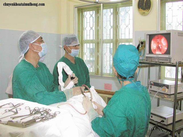 Hướng dẫn cách cầm máu sau khi cắt amidan