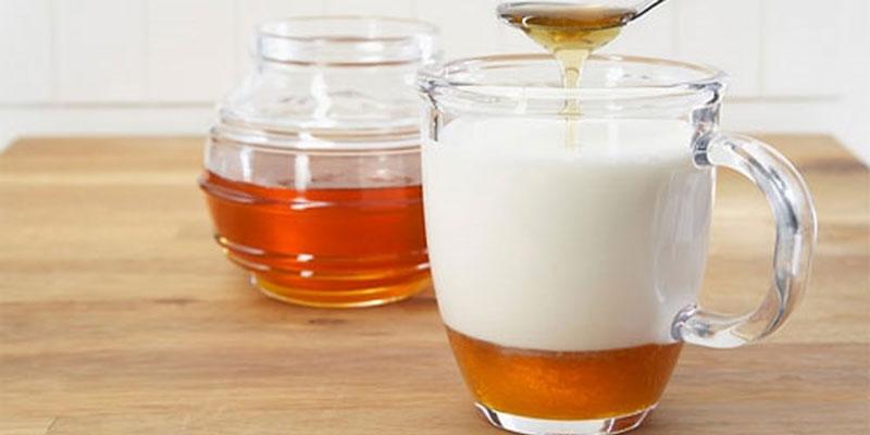 mật ong và sữa tươi chữa viêm họng