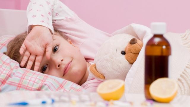 Triệu chứng viêm họng giả mạc
