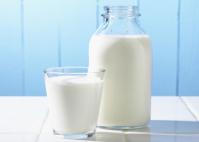 Chữa viêm họng bằng tỏi - sữa tươi