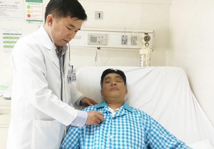 Vì lạm dụng thuốc kháng viêm, anh Chức đã phải nhập viện cấp cứu