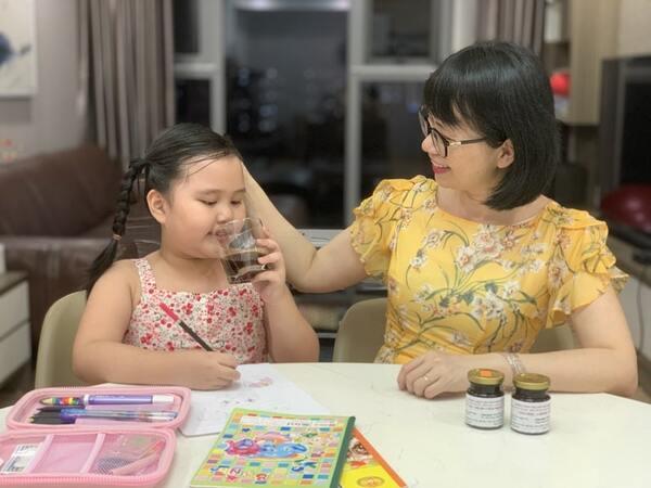 Bé Hà Phương cải thiện sức đề kháng rõ rệt sau 2 tháng sử dụng bài thuốc thảo dược Viêm họng hạt Đỗ Minh Đường