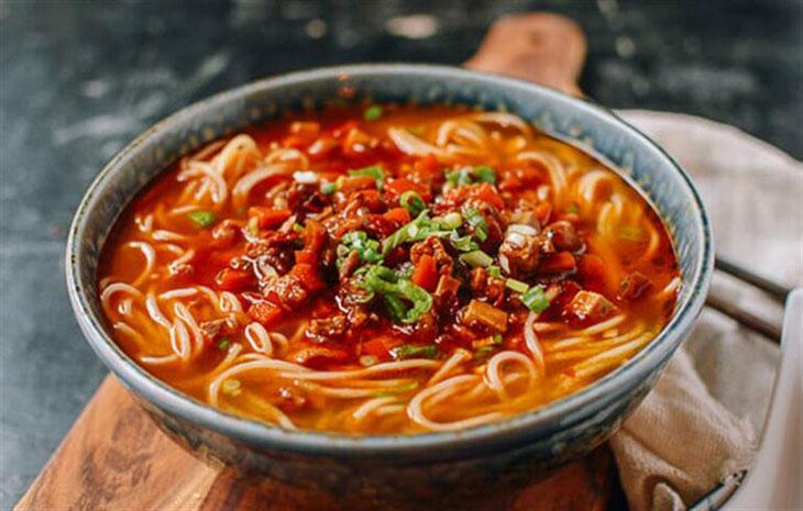 Viêm xoang kiêng ăn gì: Kiêng thực phẩm cay nóng