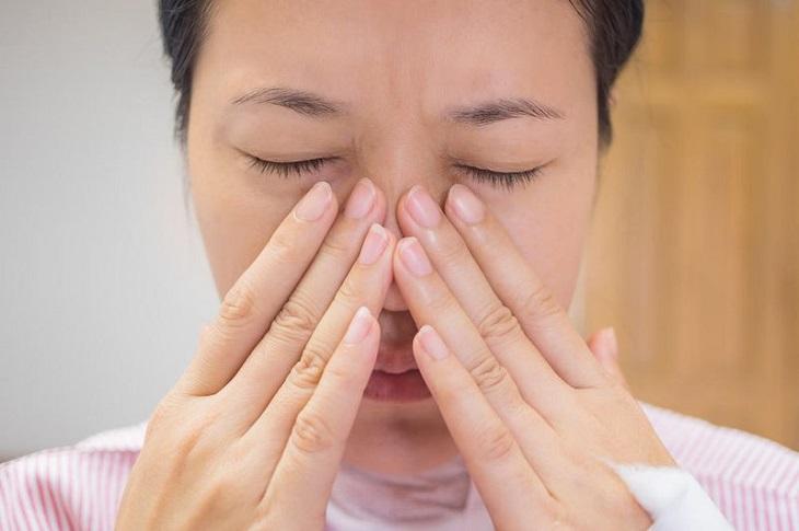 Cứ đau nhức, sổ mũi thường xuyên khiến tôi mệt mỏi